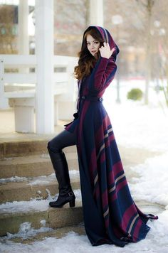 Rebecca Long Coat with Skirt and Hood Jacket Hood WinterRebecca Long manteau avec jupe et le capot tissu photo non Stylish Dress Designs, Stylish Dresses, Stylish Outfits, Mode Tartan, Hijab Fashion, Fashion Dresses, Mode Kimono, Long Wool Coat, Long Overcoat