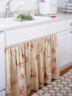 in red toile, matching window curtains