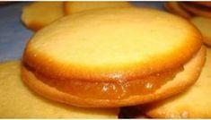 Εκπληκτικά μπισκότα με Παραδοσιακή χειροποίητη μαρμελάδα «στο λεπτό»!! Τι καλύτερο από μια εύκολη, γρήγορη, φθηνή και, το κυριότερο, γευστικότατη συνταγή... Greek Sweets, Greek Desserts, Greek Recipes, Fast Recipes, Pureed Food Recipes, Sweets Recipes, Cookie Recipes, Biscotti Cookies, Cupcake Cookies