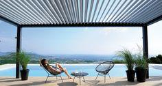 Terrasoverkapping met lamel dak, ervaar het regelen van warmte en licht inval. Dat is pas genieten.