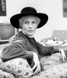 agnieszka Persona, Cowboy Hats, Reading, Celebrities, Lady, Film, People, Inspiration, Writers