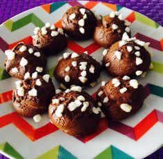 Chouquettes au chocolat / Zabou en cuisine Menu, Muffin, Breakfast, Food, Sprouts, Chocolates, Kitchens, Menu Board Design, Morning Coffee
