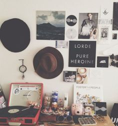 Best images, photos and pictures gallery about hipster bedroom -hipster room ide. Best images, photos and pictures gallery about hipster bedroom -hipster room ideas. Indie Room, Sala Grunge, My New Room, My Room, Casa Rock, Grunge Decor, Boho Grunge, Vintage Grunge, Vintage Hipster