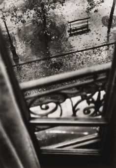 Willy Ronis - Paris, ca. 1950 So many layers!!!