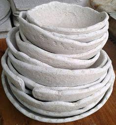 Tutoriales Bricolage, manualidades e ideas Paper Mache Bowls, Paper Bowls, Paper Mache Crafts, Easy Playdough Recipe, Homemade Playdough, Diy Crafts For Teen Girls, Crafts For Teens To Make, Paper Fire, Pasta Piedra