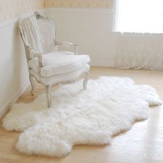 Sheepskin XXL Rug For Cozy Bedroom   WHITE/CREAM Natural Hair   Large  Genuine Real Pelt Fur   Perfec