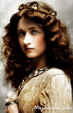 """American stage and silent-film actress, Maude Fealy (1883-1971), one of the few who survived into the """"talkies"""" era"""