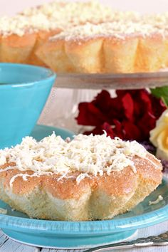Mamon is a Filipino mini chiffon cake that is a popular afternoon snack. Get this simple and easy recipe for that light, airy and fluffiest Mamon ever! Filipino Desserts, Filipino Recipes, Filipino Food, Microwave Recipes, Cooking Recipes, Delicious Desserts, Dessert Recipes, Philippines Food, Pinoy Food