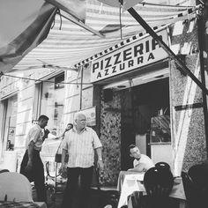 Pojutrze ląduję we Włoszech  Po niespełna 5 latach postanowiłem wrócić do słonecznego Neapolu - miasta położonego u stóp Wezuwiusza gdzie na każdym kroku za 5 Euro można zjeść najlepszą pizzę na świecie!   ____________ #docelowo #Italia#Italy#Włochy#Napoli#Naples#Neapol#pizza#pizzeria#instafood#italianfood#black#white#tb#throwback#goodmorning#vsco#vscogood#instatravel#travel#travelling#traveller#travelblog