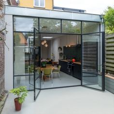 Steel outside doors & frames - Simply Steel Glass Roof Extension, Building Extension, House Extension Design, House Design, Style At Home, Steel Frame Doors, Aluminium Windows And Doors, Italy House, Exclusive Homes