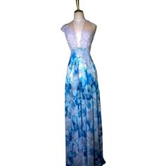 Pre-owned Lisa Nieves Light Grey And Floral Blue Print Chiffon Guipure... (1 625 ZAR) ❤ liked on Polyvore featuring dresses, gowns, floral maxi dress, blue maxi dress, blue dress, floral print gown and blue gown
