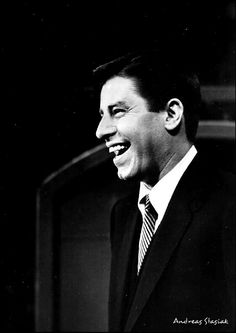 Dean is Airbourne Jack Benny, You Are My Hero, Jerry Lewis, Old Movie Stars, Dean Martin, Old Movies, Vintage Hollywood, Comedians, Famous People