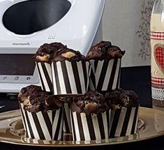MUFFINS TRES CHOCOLATES, una receta de Masas, panes y repostería, elaborada por EVA ROYO JUAN. Descubre las mejores recetas de Blogosfera Thermomix® Barcelona Manresa