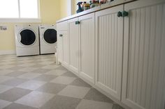 """this is an actual picture of the vinyl tile """"vct"""" installed.  Totally cute budget option!"""