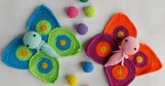 This cute Amigurumi Butterflies Free Crochet Pattern is a very vibrant and pretty decoration for your home! Make one now with the free pattern provided below. Crochet Unicorn Blanket, Baby Afghan Crochet, Crochet Pillow, Crochet Cross, Cute Crochet, Crochet Motif, Crochet Patterns, Crochet Gifts, Crochet Dolls