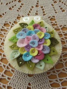 popping with posies-needle case with felt flowers