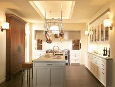 the Beaux Arts Collection by SieMatic inmagnolia white. This classic, neutral kitchen feels warm with contemporary cabinets and wood accents. Home Design, Luxury Kitchen Design, Interior Design Kitchen, Design Ideas, Interior Ideas, Kitchen Dinning Room, Studio Kitchen, Kitchen Decor, Kitchen Ideas