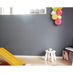 kanakoさんの、部屋全体,IKEA,子供部屋,kids room,黒板,模様替え,こども部屋,アクセントウォール,ハニカムボール,黒板塗料,壁紙屋本舗,模様替え中,子供部屋 壁,カラフルな部屋,アクセントカラー,海外インテリアに憧れる,子供部屋の一角,グレーの壁,子供部屋女の子,グレーが好き,こどもと暮らす。,のお部屋写真