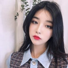 Pretty Korean Girls, Korean Beauty Girls, Cute Korean Girl, Pretty Asian, Beautiful Asian Girls, Asian Beauty, Korean Makeup Look, Red Lip Makeup, Ulzzang Korean Girl