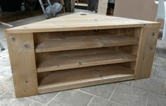 Hoekkast/tv-meubel met drie legplanken. Living Room Cabinets, Corner Table, Room Decor, Storage, Diy, House, Furniture, Basement, Corner Tv