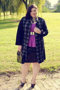 aussie curves plus size fashion blogger outfit australian new zealand coat peplum purple metallic gold statement necklace sequin black pencil skirt heels brunette curvy lucabella three ways