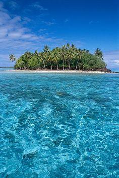 Clear turquoise water - Motu, Bora Bora, French Polynesia