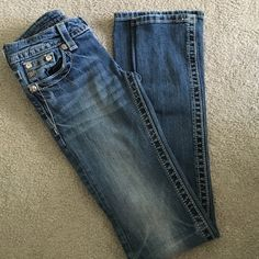 Miss Me Jeans Miss Me jeans in a boot leg style. Western quality and super nice Miss Me Pants Boot Cut & Flare