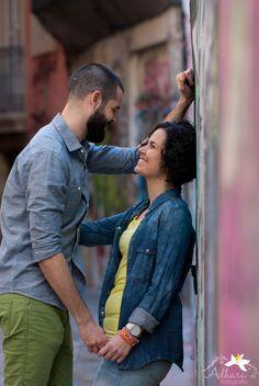 Adhara Bodas - Fotografía de Bodas www.adharabodas.com preboda / engagement / El Carmen / Valencia /  España / Spain / amor / love / couple / ciudad / city