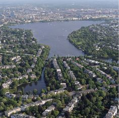 Hamburg is one of Europe's greenest cities. Parks, green spaces and trees shape the city and promote a high quality of life.