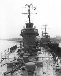 Yukikaze and Shisaka at Tokyo, Japan, 26 May photo 1 of 2 Imperial Japanese Navy, Electric Boat, Cabin Cruiser, Naval History, Navy Ships, Military Weapons, Military Equipment, Speed Boats, Motor Boats