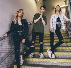 Lisa and Lena with Jacob Sartorius Twin Outfits, Cute Outfits, Girl Outfits, Casual Outfits, Fashion Outfits, Lisa Or Lena, Teen Fashion, Daily Fashion, Girl Friendship