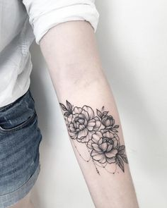 Delicately Draped - Stunning Floral Tattoos That Are Beautifully Soft And Feminine - Photos