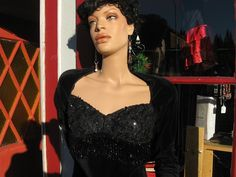 Zum Zum Designer Black Sequined, Beautiful. 1980 Vintage Beaded Dress $50.00