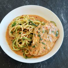 Spicy Red Pepper Sauce Chicken Zoodles - BIOHACKERS RECIPES