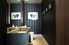 lavabo pequeno bancada cuba esculpida papel de parede preto