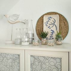 Showing a simple summer vignette with what I have at home already, easy and decorative with a few items to give that summerly feel