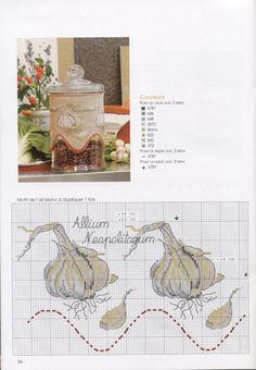 Garlic jar ~great idea !