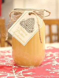 Honey Butter Ambrosia a. Honey Butter Heaven -- 1 cup sugar, 1 cup heavy cream, 1 cup honey 3 sticks butter (or lb), softened 1 tsp vanilla Jar Gifts, Food Gifts, Salsa Dulce, Fun To Be One, How To Make, Butter Recipe, Flavored Butter, Glaze Recipe, Printable Labels