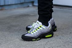 Neon Sneakers, Neon Shoes, Fly Shoes, Air Max Sneakers, Air Max 95 Neon, Cool Nikes, Nike Air Max Mens, Nike Fashion, Dope Music