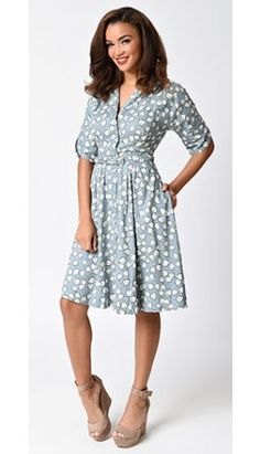 1930s Style Dusty Blue & Ivory Garden Ivy Print Sleeved Holly Swing Shirtdress