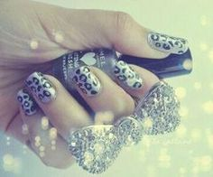 want these nails :)