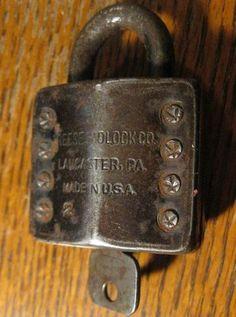 Antique Vtg old Iron Reese No. 2 Padlock & Flat Skeleton key steel Lock trunk