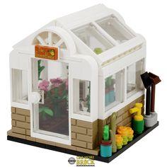 Peterborough, Cool Lego, Awesome Lego, Plant Shed, Square Windows, Greenhouse Gardening, Lego Parts, Lego House, Lego Projects