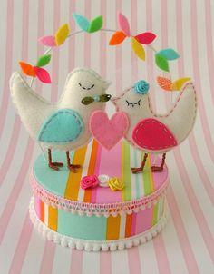 cake topper love birds  http://www.pingaamor.com/
