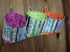 Selvage Fabric Quilted Mini Fabric Bucket  - Cute sewing room storage idea!
