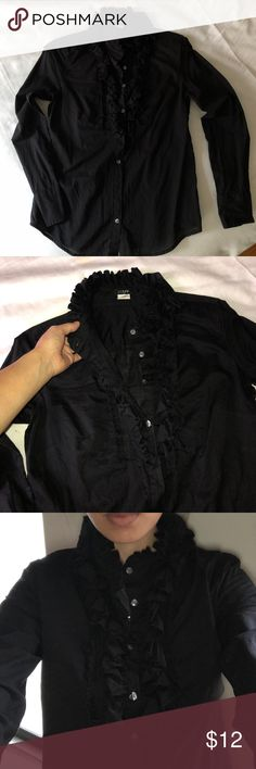 Ruffle Button Down J.crew 100% cotton Sz XS 100% Cotton blouse. I no longer work in finance and don't have to dress up for work so selling all dress up clothes. Size 0/XS  fits perfectly if you're a small petite frame. True to size. Moving and downsizing closet. Everything must go! Please check out all my other styles too! J. Crew Tops Button Down Shirts