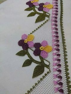 Most current Screen lacey Crochet Stitches Popular Seeing that Daisy Farmville farm Homemade projects keeps growing, I get a great deal of messages in addition t. Beau Crochet, Love Crochet, Irish Crochet, Beautiful Crochet, Crochet Flowers, Crochet Lace, Crochet Motif Patterns, Crochet Stitches, Embroidery Patterns