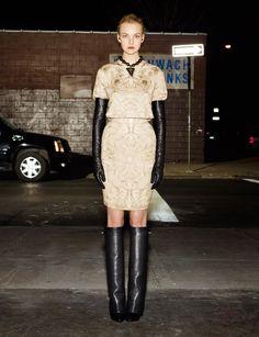 Givenchy pre-Fall 2012. Gloves fashion