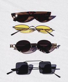 Image in Glasses 👓 collection by Zoé on We Heart It Stylish Sunglasses, Sunglasses Women, Lunette Style, Jewelry Accessories, Fashion Accessories, Cute Glasses, Glasses Frames, Fashion Eye Glasses, Eyewear