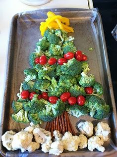 Christmas tree made of veggies, great idea for cheese fondue